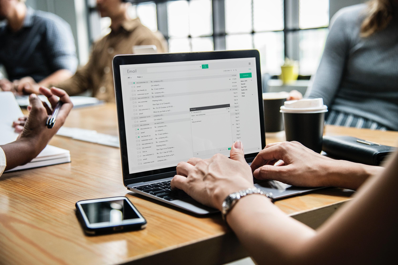 Kāpēc nesūtīt e-rēķinus pa e-pastu?